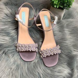 Betsy Johnson embellished heel🌸